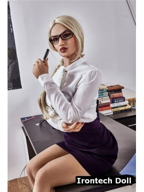 Sex doll Working girl en TPE - Yael - 168cm