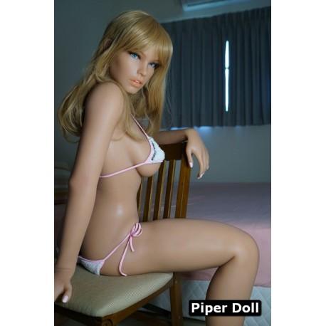 PiperDoll bronzée en silicone - Jenna - 160cm G-CUP