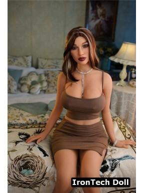 Sexy doll au teint hâlé - Kama - 161cm