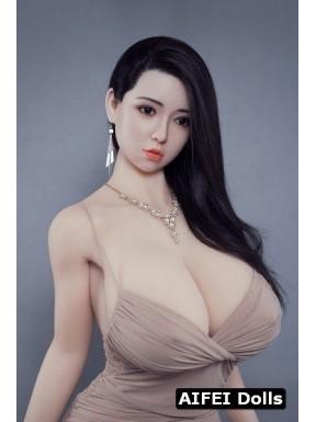Poupée hybride aux énormes seins - Willa - 170cm