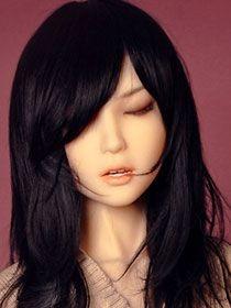 Kayla CE (yeux fermés)