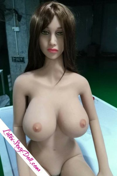 Photo sex doll sortie usine